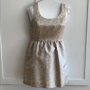 Modcloth Dresses - ModCloth Good as Golden Dress ⭐️